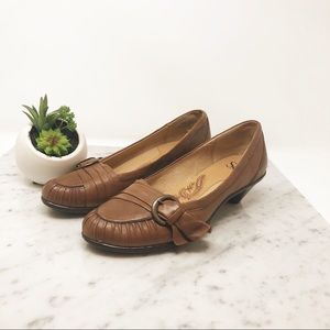 Soft | Tan Low Heel Loafers 7.5